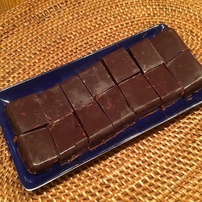 ハイビスカス&ローズヒップ入りチョコレートを作ってみましたが絶品でした。