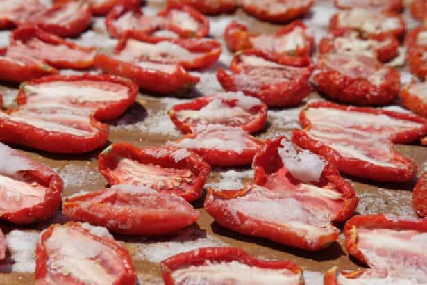 トマトは毒のある魔の果実と信じられていた?コロナ禍のイタリアでオリーブオイルが毒扱い?「毒」の本質とは何か。